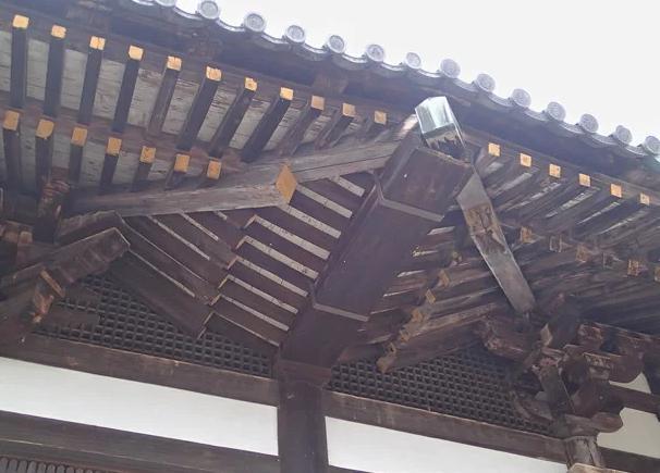 日本最古の雨樋東大寺三月堂
