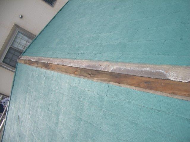 棟板金の被害箇所