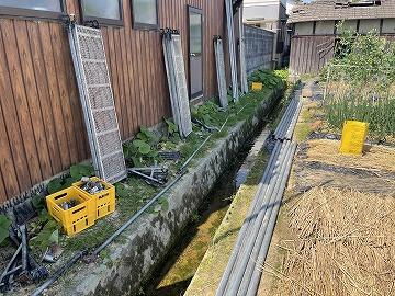 生駒市にて屋根の葺き替え工事用の足場組み
