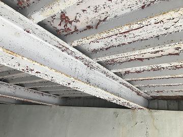 車庫の天井