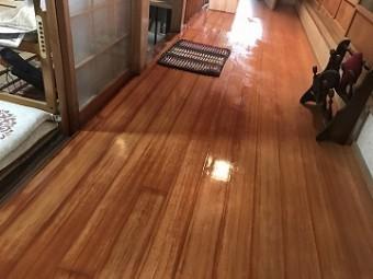 水浸しの床