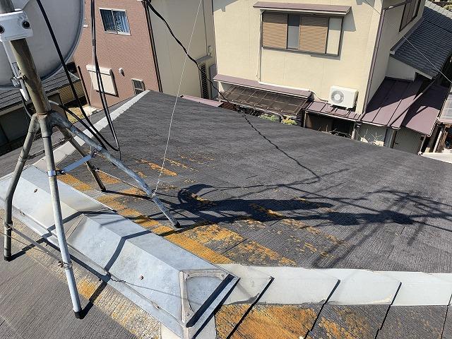 苔が生えた屋根