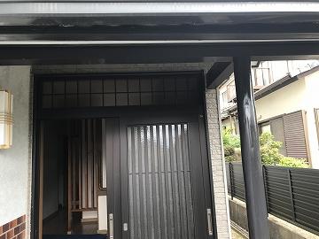 木部塗装後の玄関