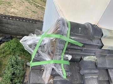 落下防止目的で鬼瓦を撤去した住宅に漆喰を塗りに伺いました