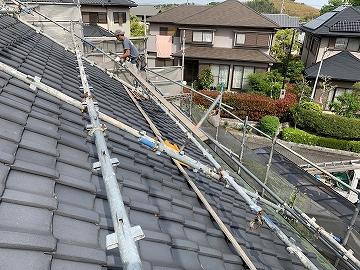 奈良市で板金一文字を交換工事を施工しております。