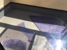 割れたテラス屋根