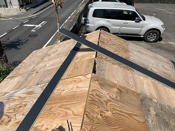 納屋の屋根