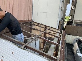 テラス屋根材撤去