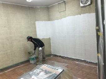 壁塗装の様子