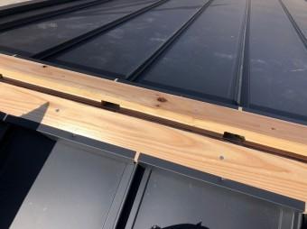 葺き板固定