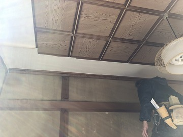天井クロス貼り