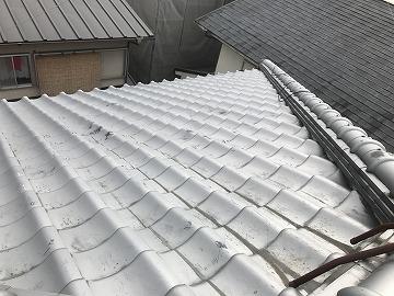 雨漏り箇所の周辺の屋根