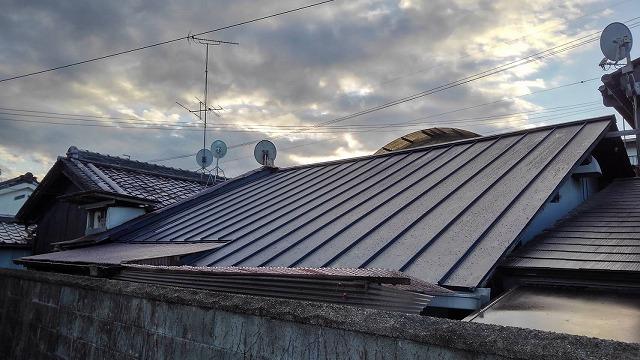 仕上がった板金屋根