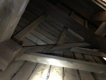 天井裏の様子2