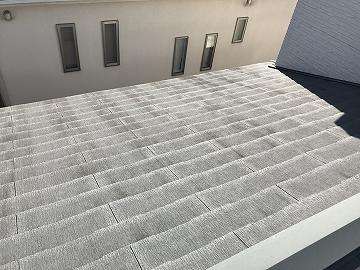 汚れが目立った屋根