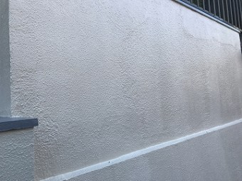 仕上った外壁