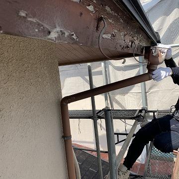 橿原市で雨樋のアイアン丸を使用して雨樋修理をしました