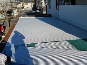 下葺材と屋根材施工