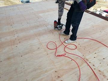 野地板施工