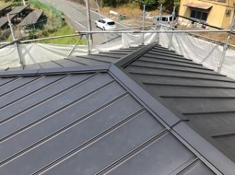 ガルバリウム屋根完成